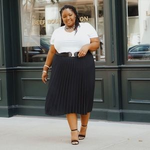 Ava & Viv Pleated Black Midi Skirt